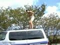 変態M熟女露出調教 命令されて車の上でオナる人妻おばさんを撮影!!
